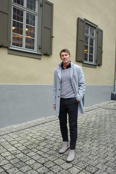 EIN TORWART-TRAINER, DER SCHULE MACHT